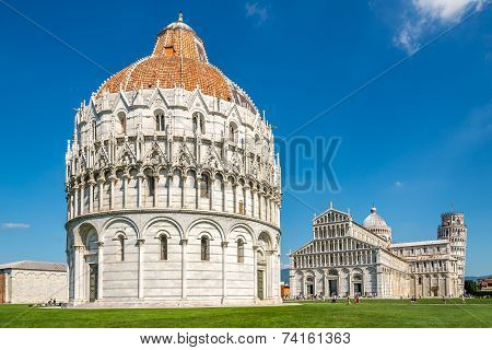 Baptistry At Place Duomo In Pisa