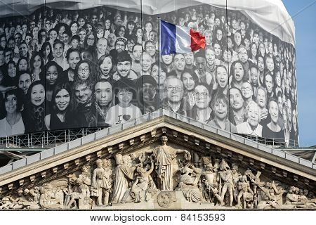 Paris - The pediment of Pantheon