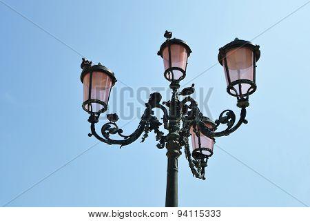 Streetlamp From Below