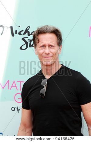 LOS ANGELES - JUN 14:  Steven Weber at the Children Mending Heart's 7th Annual Empathy Rocks Fundraiser at the Private Location on June 14, 2015 in Malibu, CA