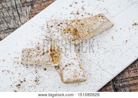 pasteis de tentugal traditional portuguese egg cream pastry dessert