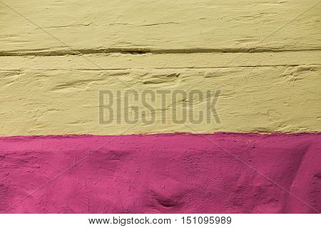 the structure of the plaster in yellow and pink