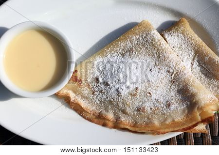 Pancakes With Powdered Sugar
