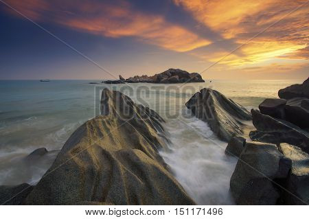Sleeping Giant beach rays of light and bora-bora