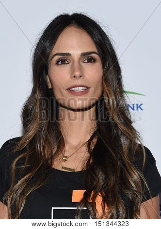 LOS ANGELES - SEP 09:  Jordana Brewster arrives to the Stand Up To Cancer 2016 on September 09, 2016 in Hollywood, CA