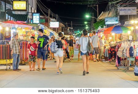 THAILAND - October 11 2016:All foreign tourists they are enjoy to buying and eating.On Pai Chiang Mai Thailand.