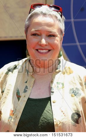 Kathy Bates at the Los Angeles premiere of 'Around The World In 80 Days' held at the El Capitan Theater in Hollywood, USA on June 13, 2004.