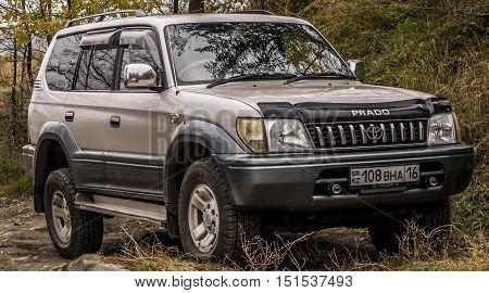 Kazakhstan, Ust-Kamenogorsk, october 10 , 2016: Toyota Land Cruiser Prado, old car, car, suv, old suv in the street