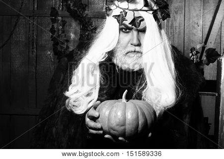 Gray Evil Sorcerer