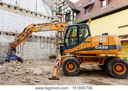 Standard rock mass excavator with bucket mining showel steel teethes of a new Case caterpillar industrial excavator