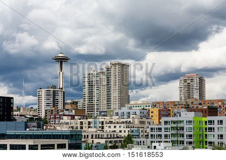 The skyline of Seattle on a cloudy day