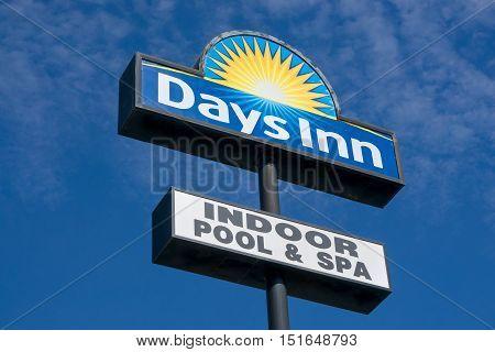 Days Inn Sign And Logo