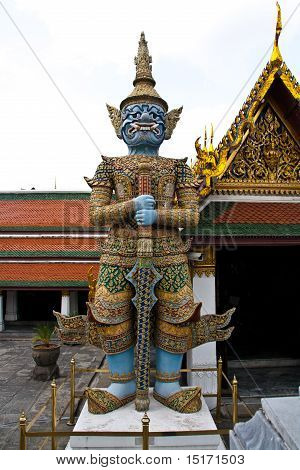 Giant demon guardian at Wat Phra Kaew