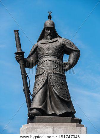 Statue of the Admiral Yi Sun-sin at the Gwanghwamun square in Seoul, Korea.