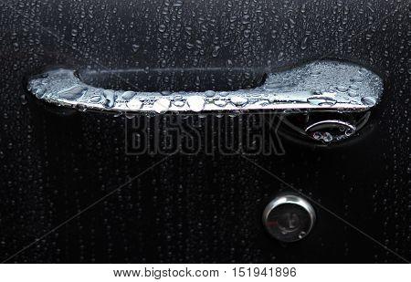 1971 Pontiac Lemans wet door handle in the rain