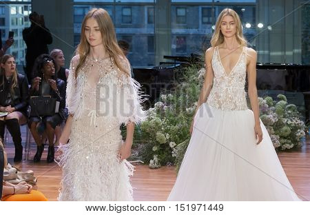 Monique Lhuillier - Fall 2017 Collection - New York Fashion Week Bridal