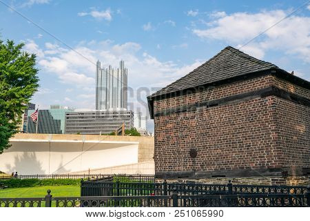 Pittsburgh, Pa - June 16, 2018: Pittsburgh, Pennsylvania Skyline  From Fort Pitt Blockhouse At Point