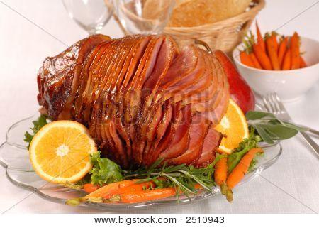 Easter Honey Glazed Ham With Carrots