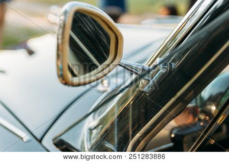 Side View Fo Classic Van Car.side Of Retro Car, Old Model, Old Model, Side Mirror Of Triangular Shap
