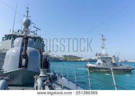 Chonburi, Thailand - April 9, 2018 : Htms Rattankosin Royal Thai Navy Corvette Leaves Port For Opera