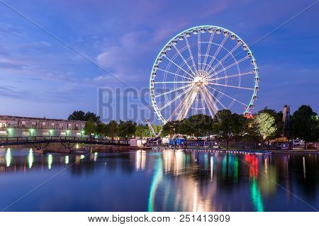 Montreal, Canada - 13 July 2017: The Montreal Observation Wheel (grande Roue De Montreal) In The Old