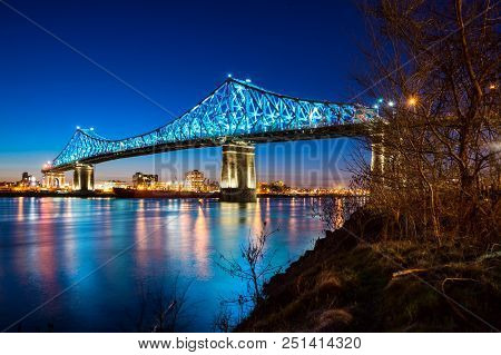 Montreal, Ca - 13 April 2017: The Jacques-cartier Bridge Tests Its New Lighting System Created By Mo