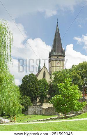 Slovakia, Prešovský Kraj, Slovakia, Bardejov, St Egidius Basilica Sunlit, Municipal Park