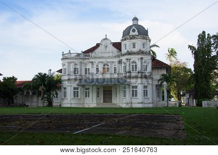 Old Heritage British Colonel Building ,george Town, Penang, Malaysia
