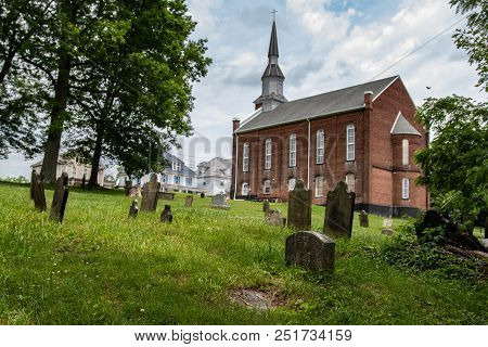 West Alexander, Pennsylvania-june 8, 2018: Historic Church And Cemetary In West Alexander Which Was