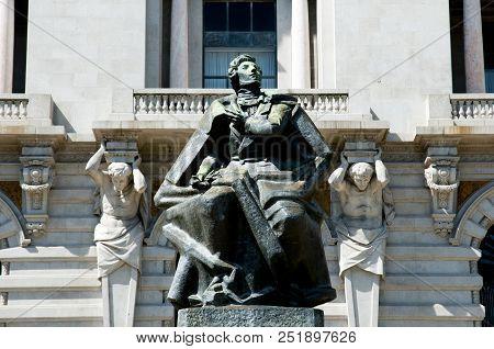 Almeida Garrett Statue - Porto - Portugal