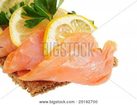 Salmon with lemon