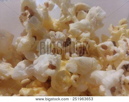 Popcorn-Close Uo, popcorn in a bag