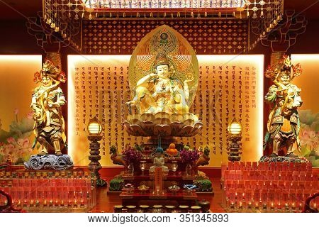 Singapore - October 11, 2019: Inside The Buddha Tooth Relic Temple. It Is A Buddhist Temple Located