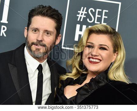 LOS ANGELES - JAN 12:  Kelly Clarkson and Brandon Blackstock arrives for the 25th Annual Critics' Choice Awards on January 12, 2020 in Santa Monica, CA