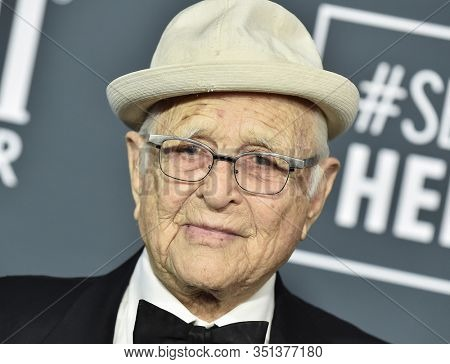 LOS ANGELES - JAN 12:  Norman Lear arrives for the 25th Annual Critics' Choice Awards on January 12, 2020 in Santa Monica, CA