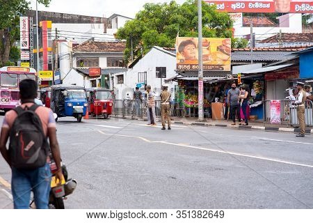 Tangalle, Sri Lanka : 2020 Nov 25 : People In The Center Of Tangalle, Sri Lanka.