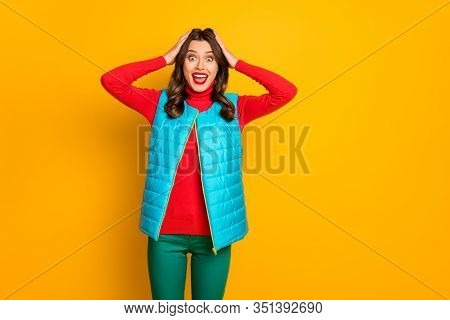 Portrait Of Crazy Impressed Girl Spring Fall Rest Relax Look Wonderful Bargain Impressed Scream Wow