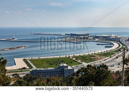 Baku, Azerbaijan - November 13, 2019: Panoramic View Of The Caspian Sea In Baku. Embankment In Baku.