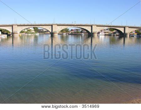 London Bridge, Az