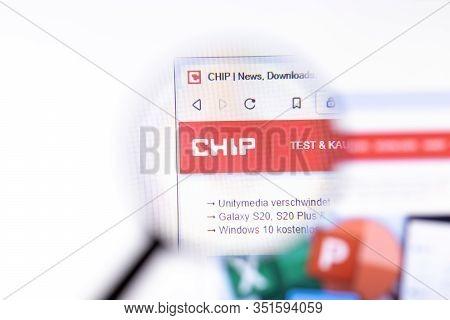 Los Angeles, California, Usa - 18.02.2020: Chip Website Page With Close Up Logo. Chip.de Site Icon O