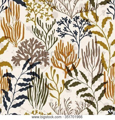 Coral Reef Seamless Pattern. Kelp Laminaria Seaweed Algae Background. Aquatic Plants Repeating Vecto