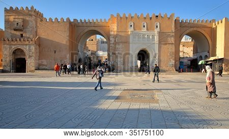 Sfax, Tunisia - December 22, 2019: Bab Diwan, The Main Entrance Gate To The Medina Of Sfax, With Imp
