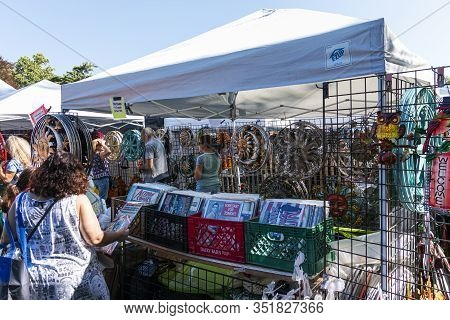 West Islip, New York, Usa - 22 September 2019: People Shipping And Enjoying Local Artists Goods At T