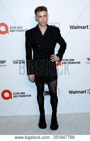 LOS ANGELES - FEB 9:  Tommy Dorfman at the 28th Elton John Aids Foundation Viewing Party at the West Hollywood Park on February 9, 2020 in West Hollywood, CA