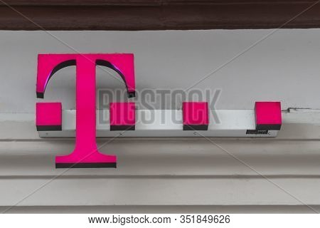 Trier, Germany September 13 , 2019: Logo Of Deutsche Telekom. T-punkt Shops Sell Products And Servic