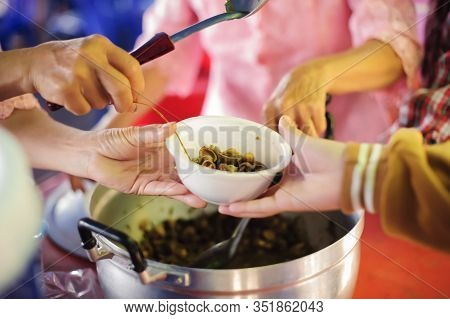 Helping People With Hunger With Kindness : The Concept Of Life Problems, Hunger In Society : Concept