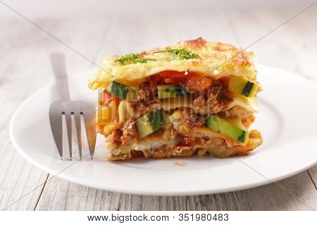 vegetable lasagne with cream and cheese