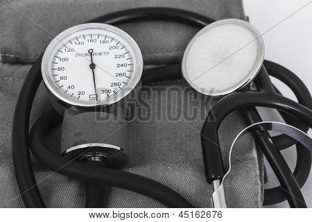 Analog Sphygmomanometer