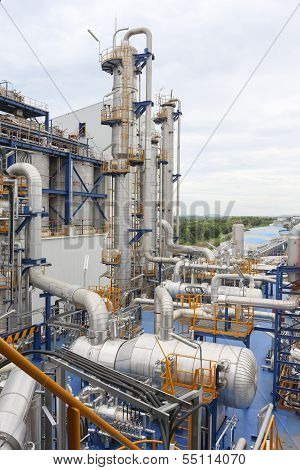 Structure Of Oil And Chemical Plant