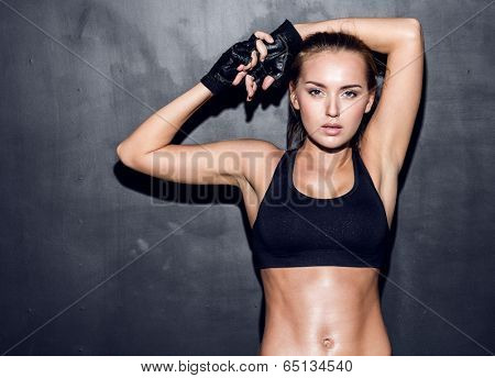 attractive fitness woman, trained female body, lifestyle portrait, caucasian model